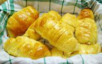 Resep Roti Pisang Keju Enak dan Lembut ala Roti Bakery