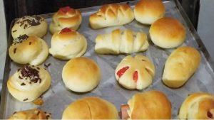 Cara memanggang roti dengan oven tangkring