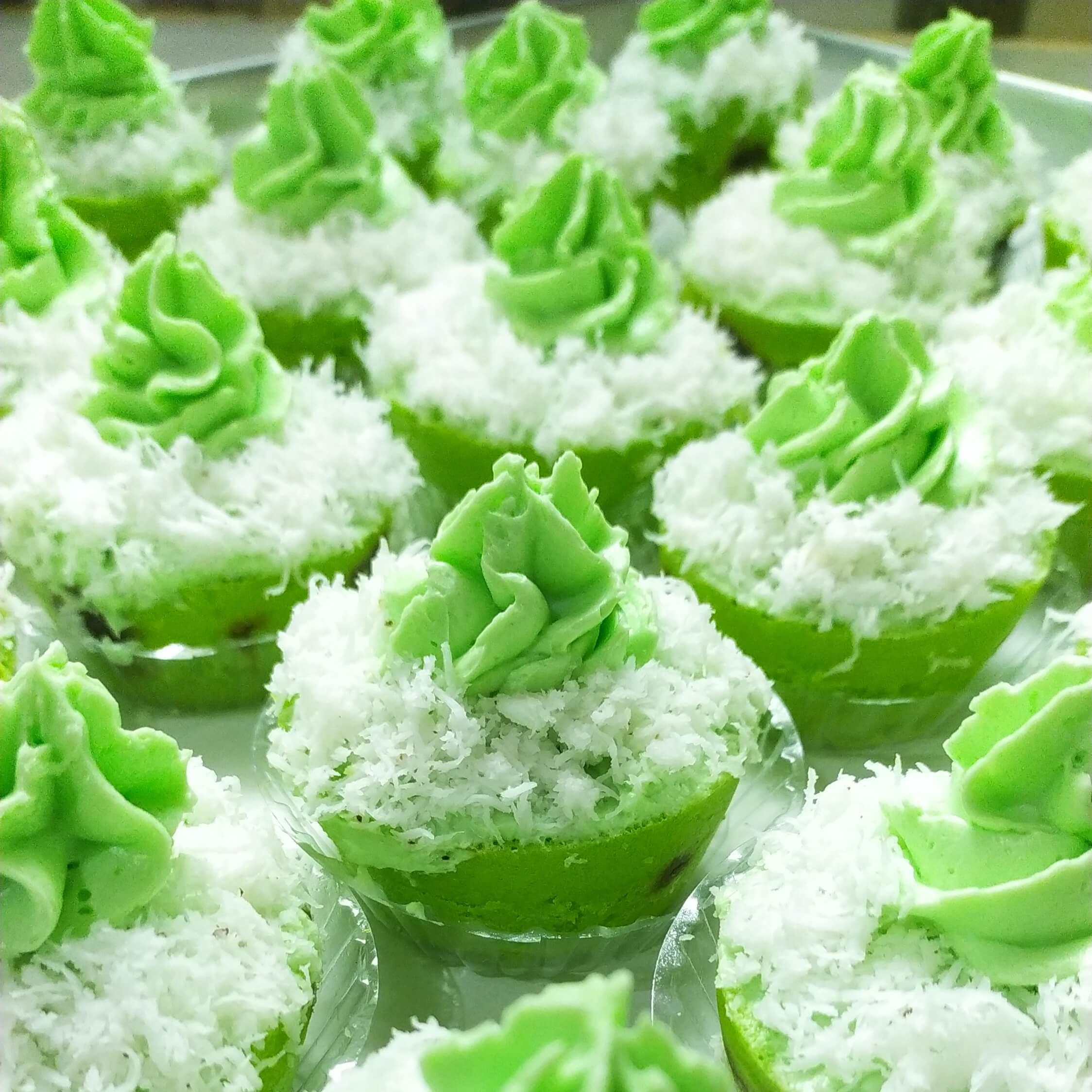 Resep klepom cupcake pandan enak, klepon cupcake pandan enak dan lembut