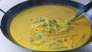 cara membuat sayur teman makan ketupat